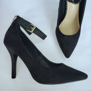 NEW! Chinese Laundry suede & gold snake print heel